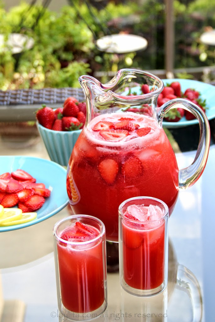 Strawberry Lemonade from Laylita's Recipes