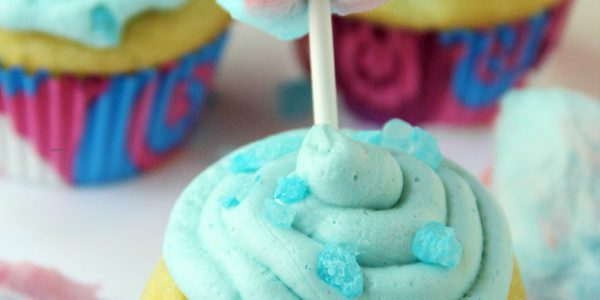 Cotton Candy Cupcakes Feature