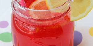 Love Potion Punch - A magic punch that fizzes when you add the magic ingredient! Great for parties and Valentine's Day!
