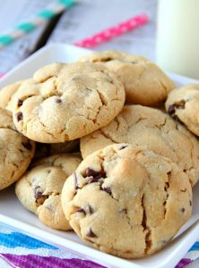 Chocolate Chip Peanut Butter Cookies - These cookies are only 5 ingredients and so simple and quick to bake. A great recipe for early bakers and those of us who just need a quick cookie recipe!