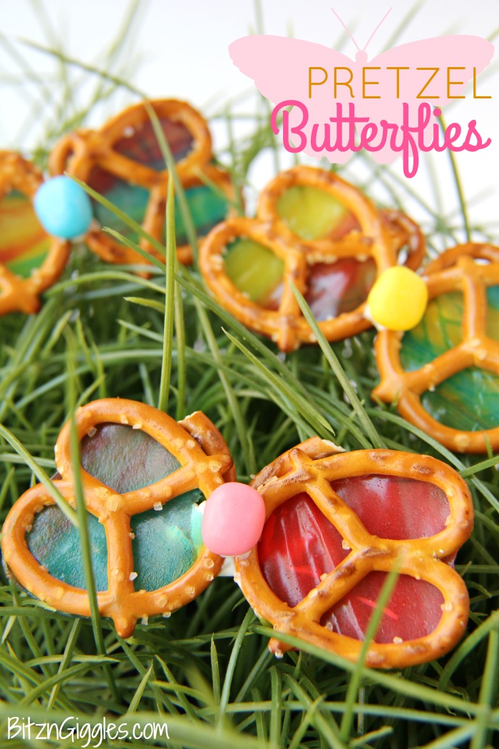 Pretzel Butterflies - These Pretzel Butterflies are only four ingredients and so much fun to snack on! Fruit Roll-Ups bring color to the wings and give a gorgeous stained glass effect. So pretty when held up to the sun!