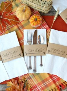 Printable Thanksgiving Napkin Holders - A simple and elegant way to dress up your table for Thanksgiving! Choose from six different designs or use them all!