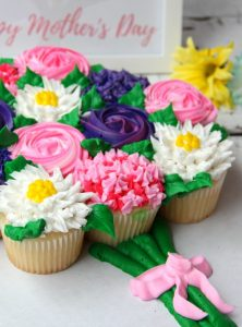 Mother's Day Cupcake Cake + Free Printable