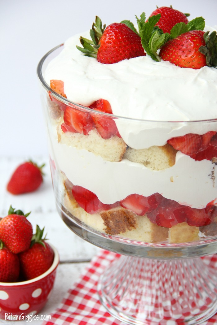 Make Homemade Strawberry Cake