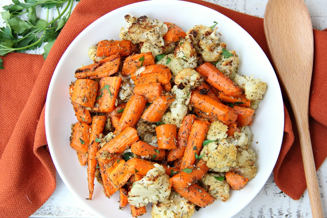 Thyme Carrots & Cauliflower - Carrots and cauliflower tossed with thyme and roasted to perfection!