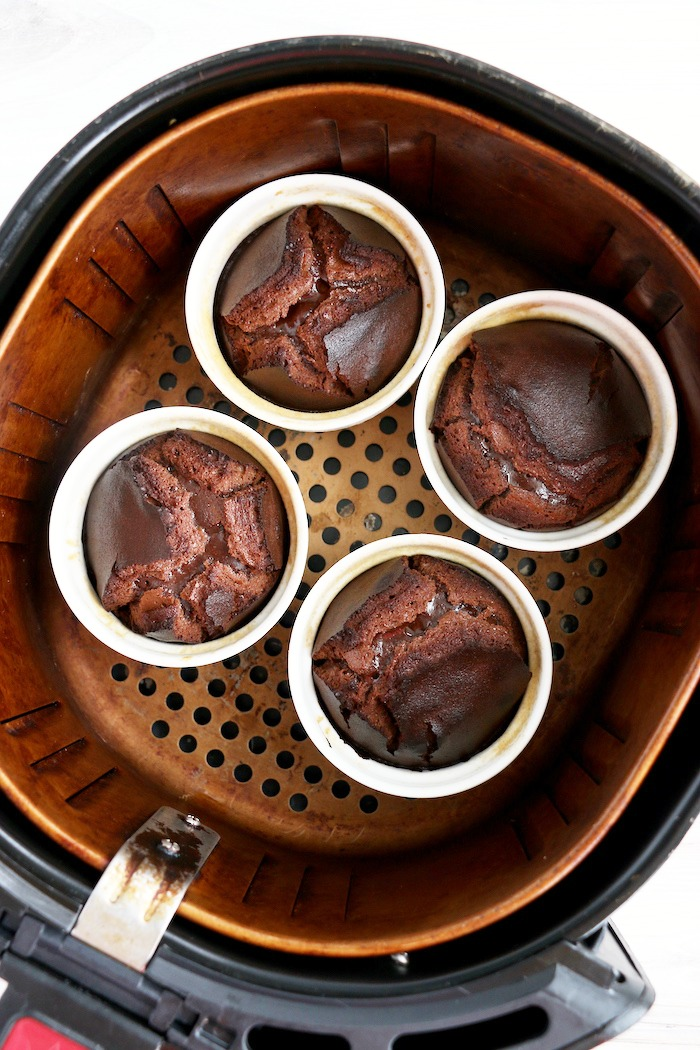 molten lava cakes in air fryer