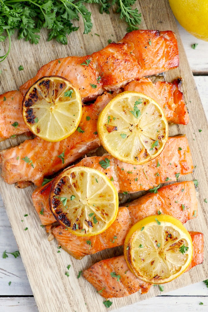 Salmon fillet covered with lemon slices