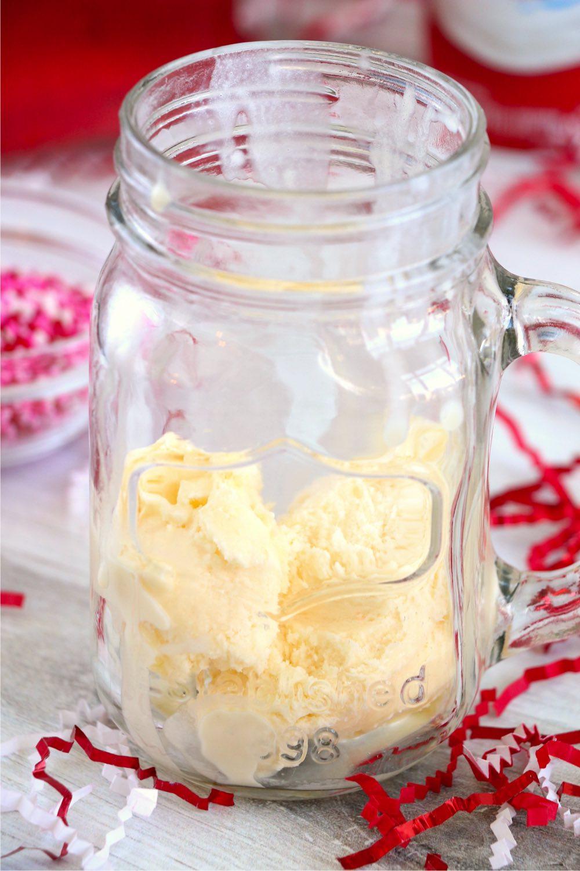 ice cream in a mason jar