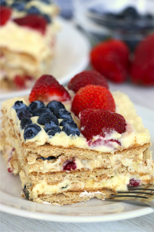 Piece of icebox cake with fresh fruit