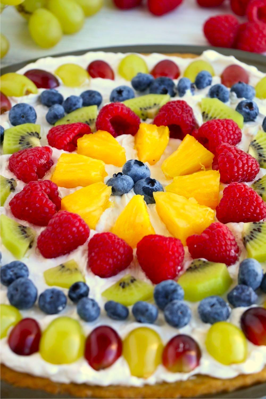 up close shot of a fruit pizza