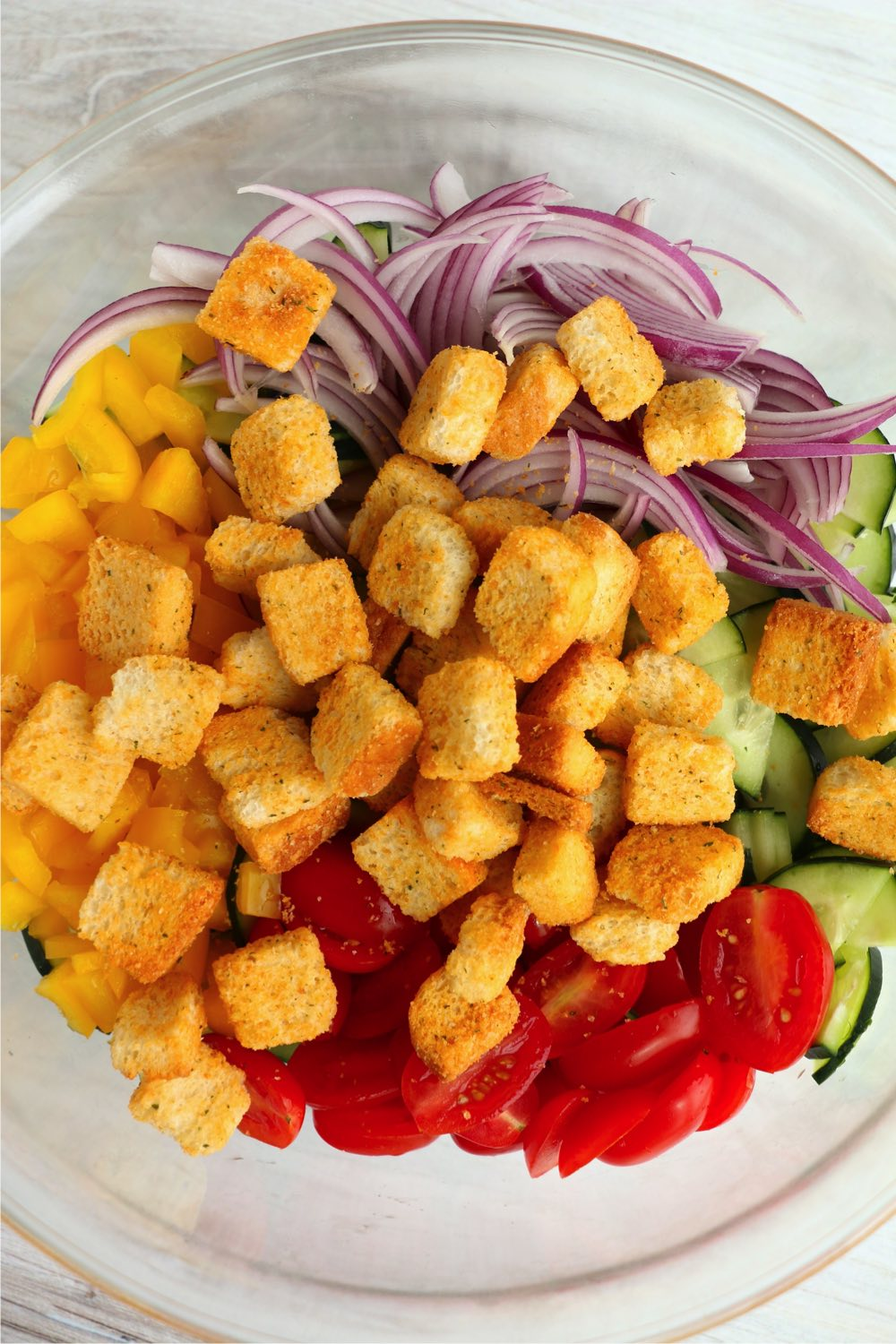 Salad with croutons on top